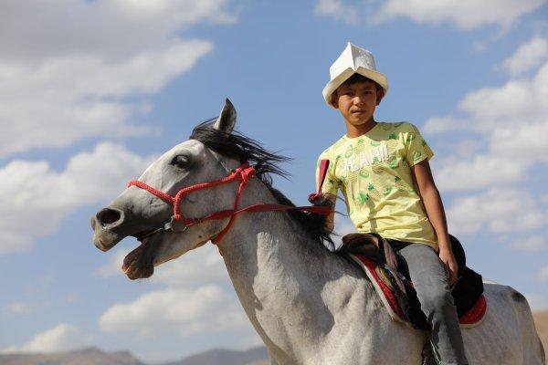 """Les Turcs de kirghiz se préparent à """"les jeux nomades du monde"""""""