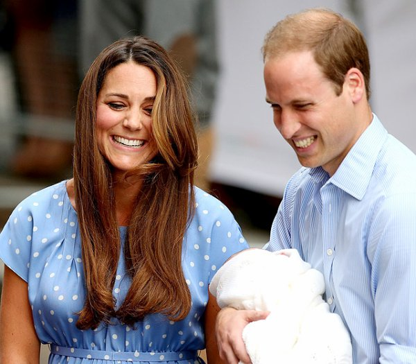 Encore quelques photos de la famille Royale! :)