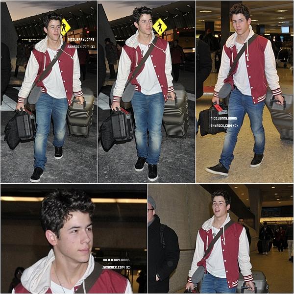 . 23 Février 2011 : Aujourd'hui, Nick a été cette fois ci arrivant à l'aéroport de Washington DC..