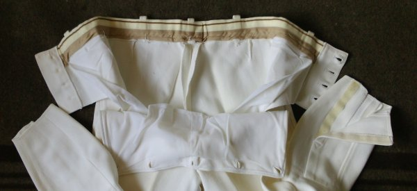 Pantalon blanc,motocycliste, gendarmerie nationale.