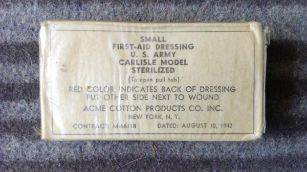 Small first-aid dressing, carisle model.