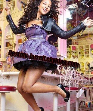 """Photos pour """"Pastry"""" ( Je vous rappelle qu'elle est l'ambassadrice de la marque de chaussure).  Elle est absolument magnifique MAGNIFIQUE !  Sur ce les chaussures sont en vente à """"Foot Looker"""""""