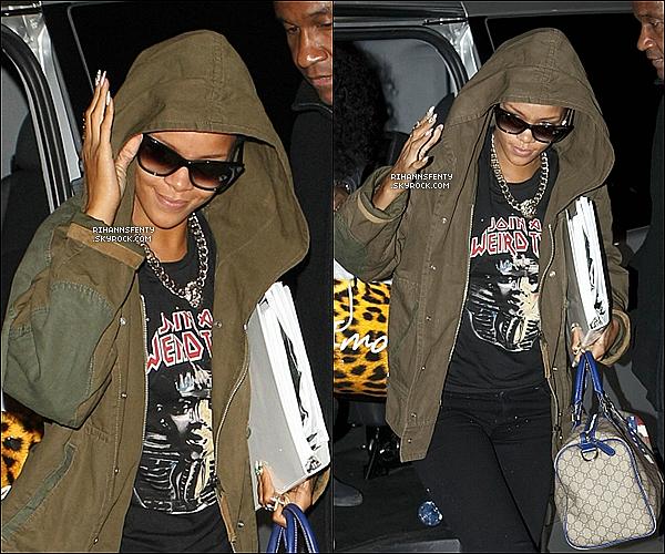 .08.09.2012 : Notre cher Rihanna est enfin de retour  en Angleterre, à Londres.    .