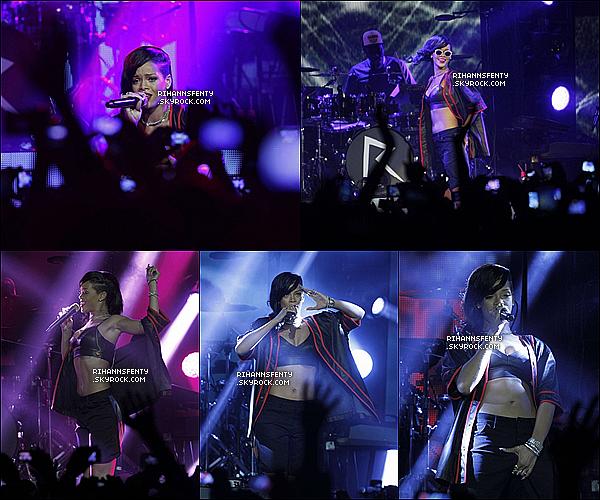 """.14.11.2012 : La magnifique Rihanna était  dans le cadre du """"777 Tour"""" à Mexico City.   ."""
