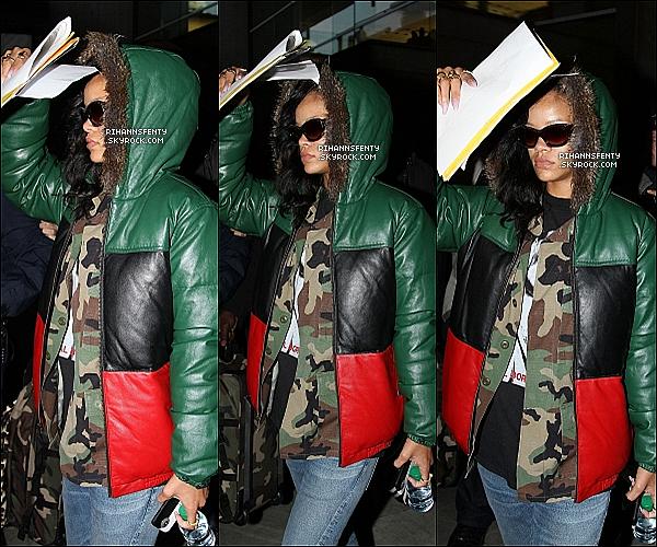 .17.11.2012 :  Riri est arrivée à Paris. Elle a été vue à l'aéroport de  Roissy – Charles de Gaulle.   .
