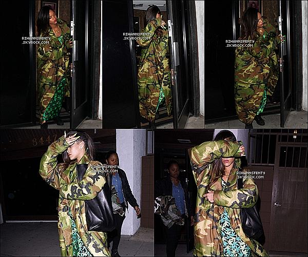 .17.01.2013 : La belle Rihanna a été aperçue quittant un studio d'enregistrement à Los Angeles.   .