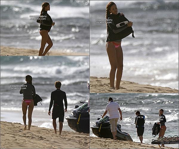 .20.02.2013 : Les deux chanteurs ont été aperçus se promenant le long de l'océan à Hawai.   .