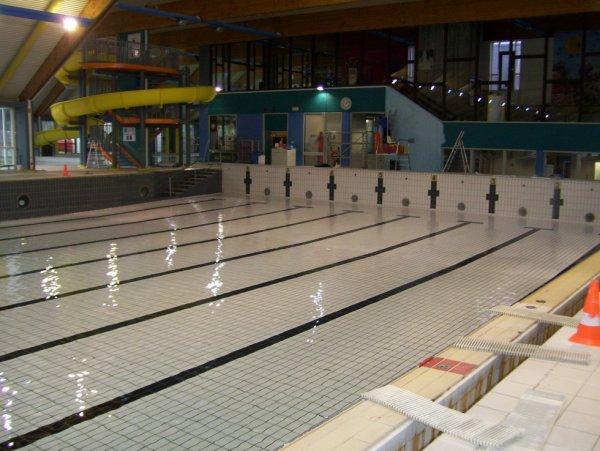 La piscine lors de son remplissage fin d cembre for Piscine mouscron