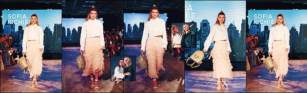 • 16 avril 2017 || Notre Sofia pour la défilé de la marque de sac à main Samantha Thavasa à Tokyo. La belle à défilé pour la marque auquel elle à posé en compagnie de son amie et mannequin Lottie Moss. Un top ! •