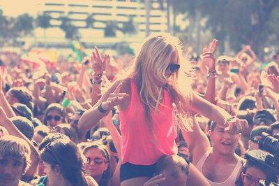 La jeunesse est une ivresse continuelle ; c'est la fièvre de la santé ; c'est la folie de la raison