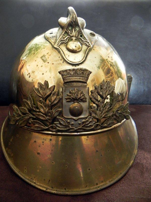Dernière acquisition : Vieux casque pompier 1908