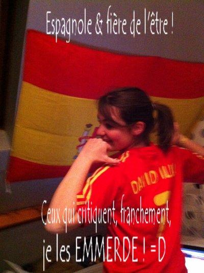 Rouge, jaune, rouge. T'as reconnu l'drapeau ;D