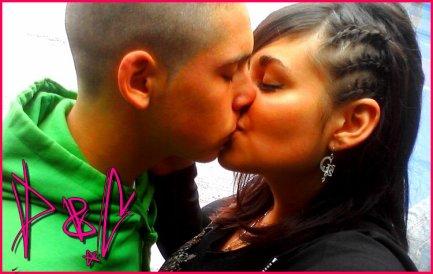 Je me souviens de toi près de moi , tu m'embrassais pour la première fois. ♥.