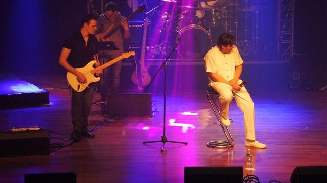 """pascal olivier live 2014 avec """"clin d'oeil à Daniel Balavoine"""" et avec les Bala's(Goldmen) pour l'asso Balavoine"""