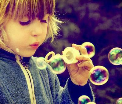 L'innocence est sans doute la meilleure chose, l'innocence est le rêve d'un adulte...