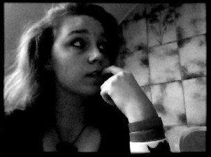 Je t'ai vu, je t'ai tout de suite voulu. J'aurai peut etre du controler mes sentiments, tu aurai gardé ta vie paisible.