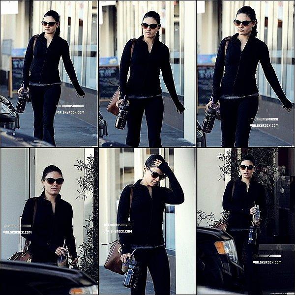 .Candids 28/12/11 : Mila sortant de chez Body Maxx ou elle y a pratiquer son cour dee sport habituel Top !?  .
