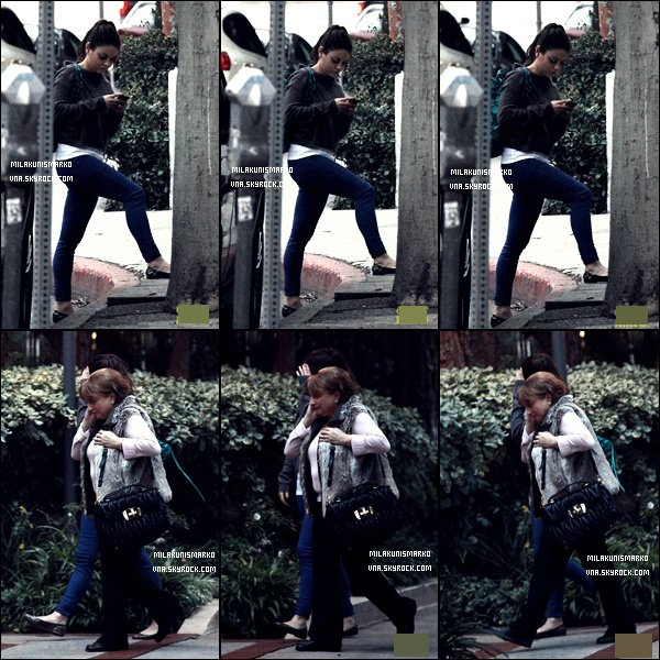 .Candids 15/02/12 :  Mila a été vu par les pap'z a la sortie du Coffee Bean a Hollywood Top ou Flop ? .