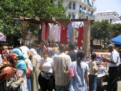 ALGER Marché de vetements (Dans la rue)
