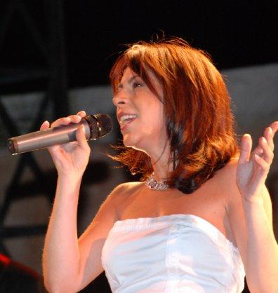 Fanny en concert à Hellemmes