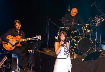 Photo Fanny chante piaf à Toulouse