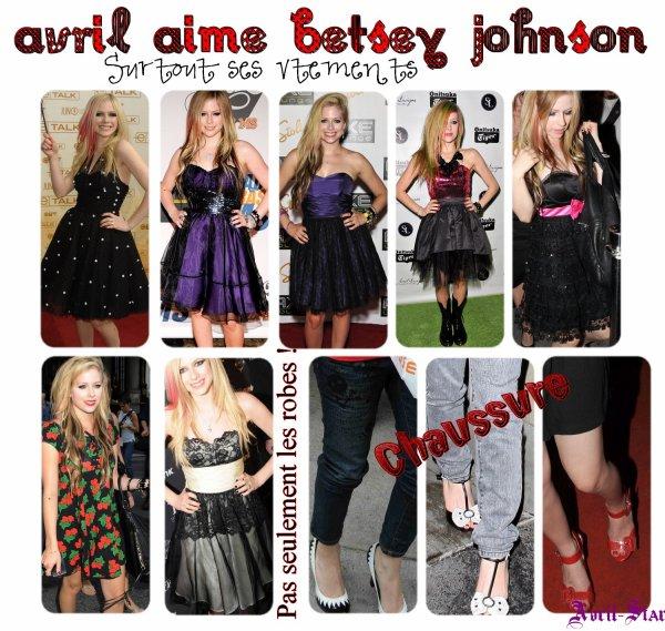Betsey Johnson Je me suis aidé de Avril-Style Newsletter