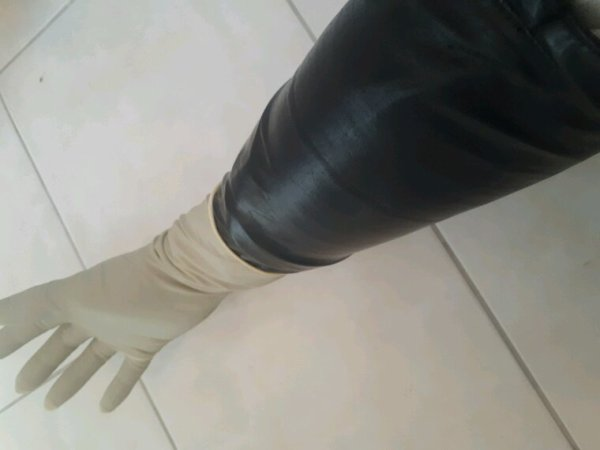 Triple gantage.....latex ,vinyle ,Latex.. ...
