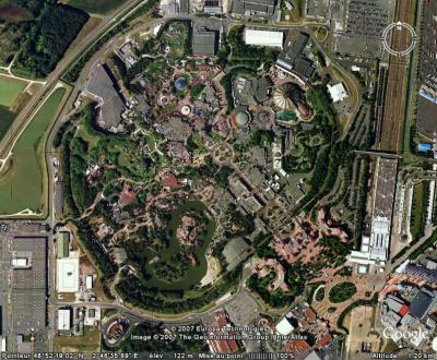 Disneyland Paris - Earth-Mania