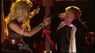 Nicki Minaj une poupée illuminati