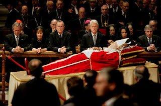 Le Pape Benoit XVI est favorable au nouvel ordre mondial