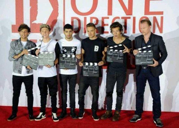 Les boys a leur conférence se matin pour 1D this is us ! :)