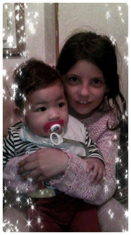 ma fille et mon petite neveu