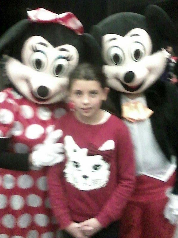 Ma fille avec Mickey et Minnie