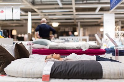 Experts Reveal Why 'Satisfied' Customers Still Visit a Mattress Sale to Look for a Bed Replacement