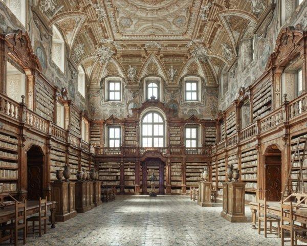 Library, Naples, Italie.