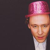 TomHiiddleston  fête ses 21 ans demain, pense à lui offrir un cadeau.Aujourd'hui à 14:35