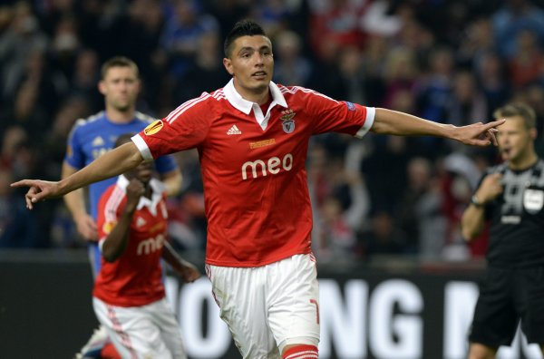 Lyon : Cardozo (Benfica) après Lisandro ?