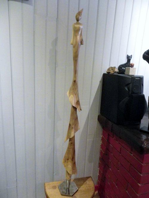 Encore une femme thuya ('haut 1,10 m )