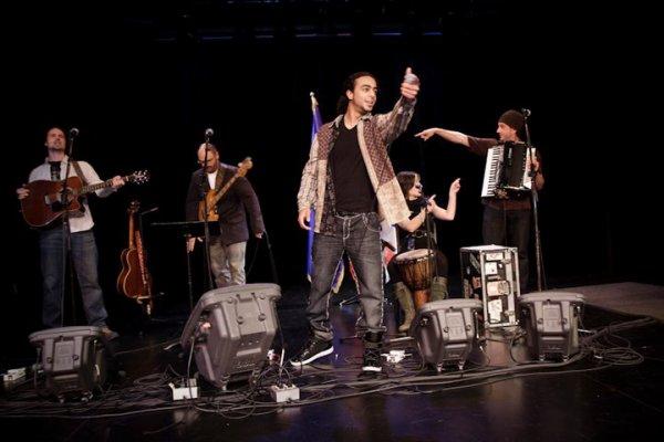 iligy avec joel lavoie et son group le 16 oct 2010 a edmonton