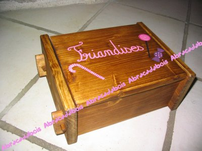 JOUET BOIS - BOITE A GATEAUX, BONBONS...  / ABRACADABOIS Jouets et petits mobiliers en bois