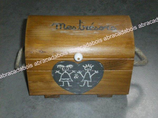 Coffre aux trésors (fille&garçon)                                      /                           ABRACADABOIS Jouets en bois   / travail artisanal