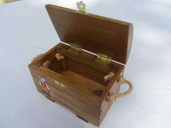 Jouet bois / Coffre aux trésors personnalisé (sur commande)              Abracadabois / Jouets et petits mobiliers enfants en bois/ Idées cadeaux originales et uniques/