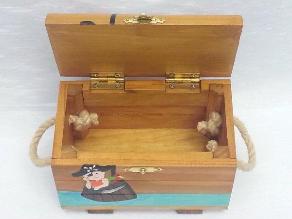Coffre aux trésors personnalisé  - Abracadabois - jouets personnalisés - jouets de fabrication artisanale et française - jouets en bois - sur commande et uniquement pour la enfants - cadeaux originaux  créations uniques et personnalisées