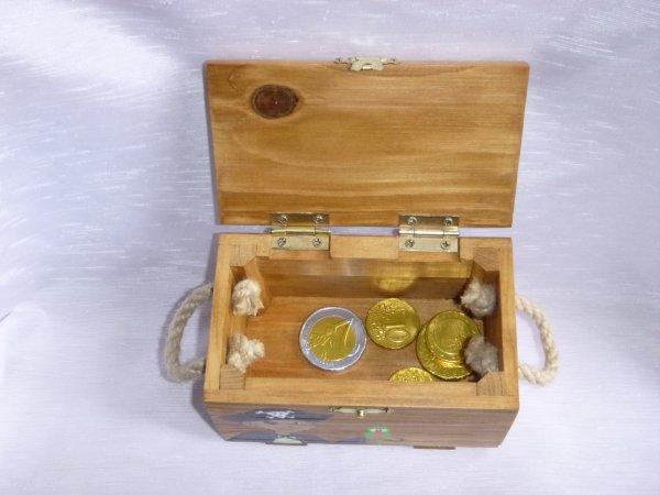 Abracadabois / Jouets bois / Créations uniques / De fabrication artisanale et française / Sur commande uniquement / petits mobiliers enfants