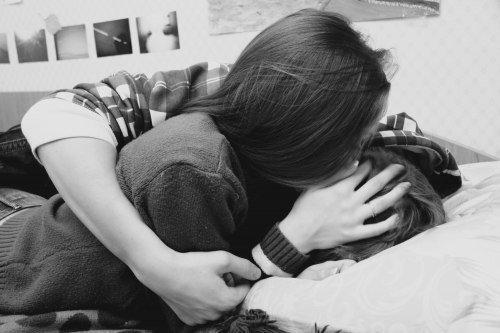 Si quelqu'un se tue à te dire qu'il t'aime, ne le laisse pas crever !