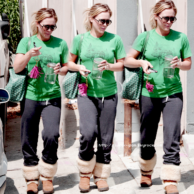 ..08/08/11 Hilary dans Studio City Photos..