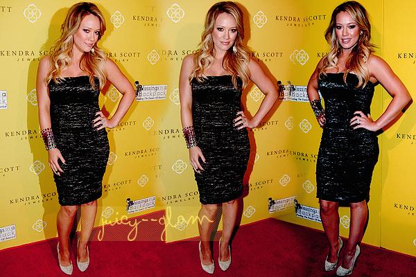 ..10/08/11 Hilary, Mike et Haylie étaient présent à l'ouverture de la boutique de bijoux de Kendra Scott à Los Angeles. Elle est magnifique !! *o*Photos..