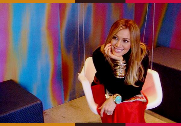 ..06/09/11 Hil se rendant aujourd'hui dans les studios d'MTV toujours au Brésil. Magnifique et souriante ♥ Photos disponible en mauvaise qualité..