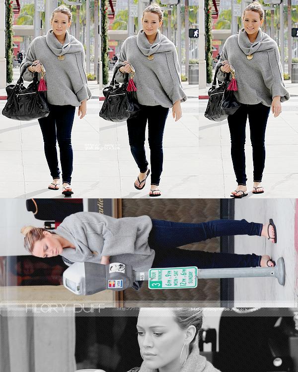 .._____.11/12/11._La G photos ._Hil, dans l'aprem, allant faire du shopping chez Chanel..___Gosh MAGNIFIQUE *o* j'adore TOP !  .