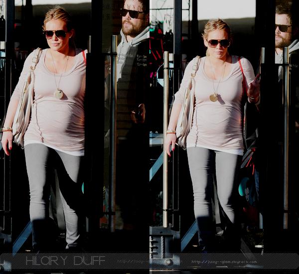 .._.24/12/11.La G photos ._La vieille de noël, Hil et Mike sont allés faire du shopping chez Barney's NY. ._*o*    .
